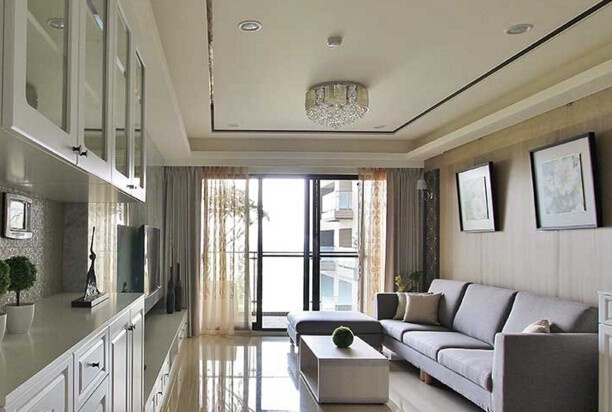 标准二:阳台紧连客厅